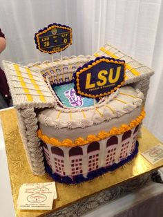 Grooms cake for an #LSU Tiger.