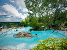 Outdoor pool at the Subtropical Swimming Paradise by Center Parcs UK, via Flickr