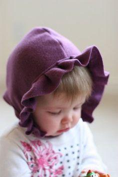 fleec diy, doityourself gift, fleec bonnet, diy gifts, baby hats, diy skirt, fleece projects, fleece hats, fleec babi