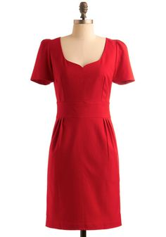 Can I pull off this Joan Holloway dress?