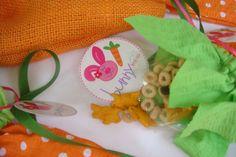 Cute! bunny trail mix...Annie's cheddar bunnies, cheerios, raisins & pastel m's