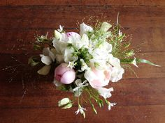 arrang idea, wedding planning ideas, bouquet, flower arrang, seasons, white, pastel centerpiec, peoni season, peonies