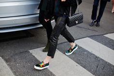 Carolines Mode. leather + sneakers