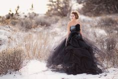wedding dressses, black weddings, gowns, the dress, fashion blog, tulle, black wedding dresses, photography, photo art