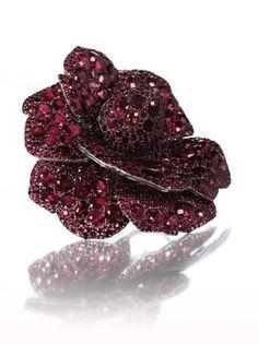 Christie's leiloará em 14 de maio joias de Lily Safra