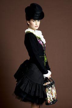 Sisi Vienna, Ladies' Modern Victorian Fashion