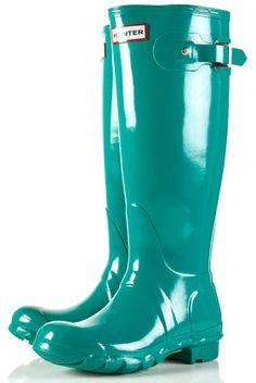 rainboots! i love this color