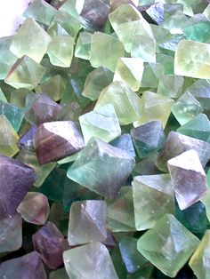 Fluorite helps to ground excessive energy, particularly mental, emotional and nervous energy. It is a powerful healer, it affects all the chakras as well as mental attitudes. It is excellent for use in cleansing the aura…it is known to ride the aura of cording (unwanted attached energy lines from other people). Click for much more :)