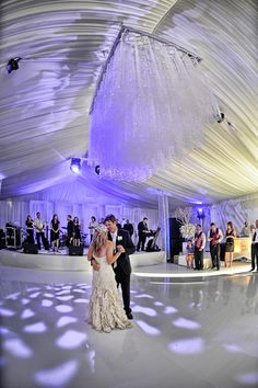 Tent Wedding white floor n stage