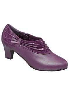 Angel Flex™ Stacey at www.amerimark.com.  Pleated bootie!  #amerimark #shoeshopping #loveshoes #shopforshoes #shoeshop #luvshoes #fallshoes #autumnshoes