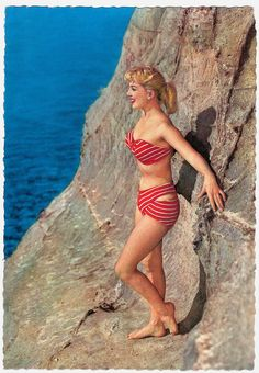 What strapping stripes! #1950s #summer #beach #vintage #pinup #red