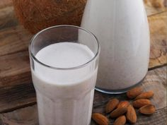 The Healthiest Smoothies Of All Time: Coconut Almond Smoothie