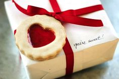 Valentine's Day DIY gift tag made to look like a cookie using Mod Podge Dimensional Magic - LOVE that it looks edible but it's permanent. would be super cute xmas ornament!