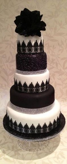 Dramatic black and white wedding cake