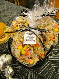 ChowGals: Halloween Snack Mix