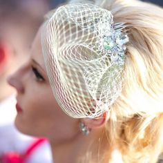 DIY netted hair piece.