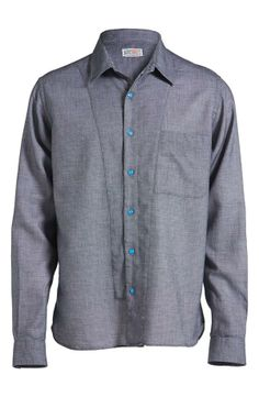 Nice buttons on this shirt! The pop of blue is energizing.