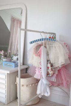 kids room dress room, little princess, princess outfits, dress up, kid rooms, kids, little girl rooms, dressing up, kiddi space