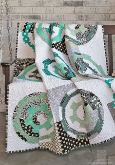 """""""Gearing Up"""" Quilt made with EZ Quilting Tools by Joanna Wilczynska #Simplicity"""