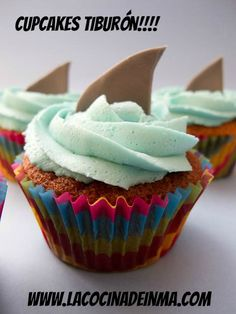 Coconut Cupcakes With Seven-Minute Frosting And Coconut Flakes Recipes ...