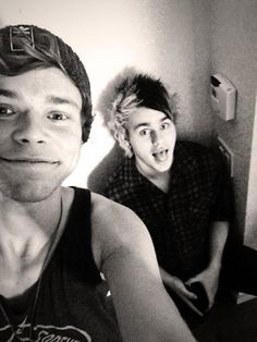 Awww Mashton>>> Can Michael ever keep his tounge in his mouth?