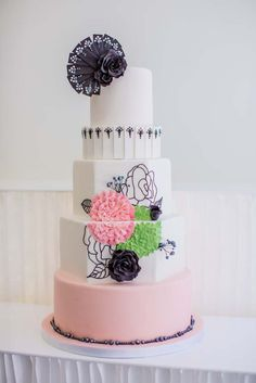 Pretty Black Piping Tiered Wedding Cake
