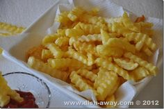 Tips: How to get Crispy French Fries~ Soak a minimum of 1 hour, up to over night, longer is better. I learned this while working at a little 10 seat diner.