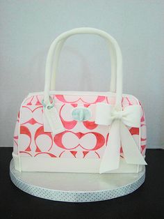White Coach Purse Cake wholesale knockoff designer handbags purs cake, coach bags, coach handbags, coach bag cake, designer handbags, coach purses, coach cake, salmon coach, purse cakes