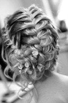 Penteado com tranças. #penteado #trança #trançaescamadepeixe #casamento #15anos #noiva #debutante #formanda