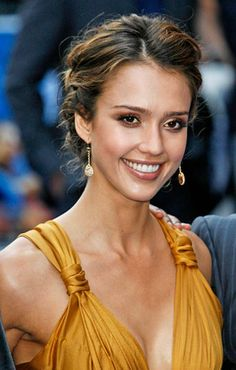 Latest Hairstyles Jessica Alba in Top Fashion Designers | Modern Fashion Design