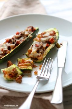 Sausage and Peppers Stuffed Zucchini