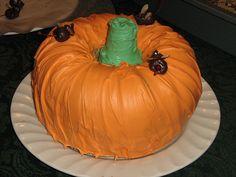 Bundt cake with icecream cone for stem...