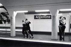 parisian metro, metro station, janol apin, paris photography, photography projects, janolapin métropolisson, argentine tango, métropolisson photographi, photographi janolapin