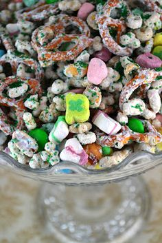 Lucky Charm Snack Mix (for st. pattys!)
