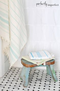 Little Stools and Turkish Towels | Cottage Guest Bathroom Reveal | perfectly imperfect