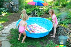 Water Balloon Painting in the Pool - What a super fun summer art activity for the kiddos!