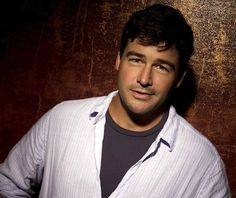 Cutie :-))  Kyle Chandler; Early Edition & Friday Night Lights