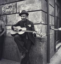 Italian Vintage Photographs ~ #Italy #Italian #vintage #photographs ~ Elderly Man Playing Guitar in Milan - ca. 1935-1940
