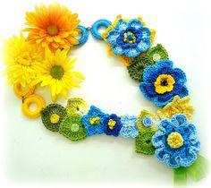 Crochet color necklace