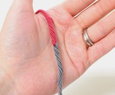 Photo tutorial of yarn joining method - change color of yarns as many times as you wish without ugly bumps and weaving in.  Very clever technique.