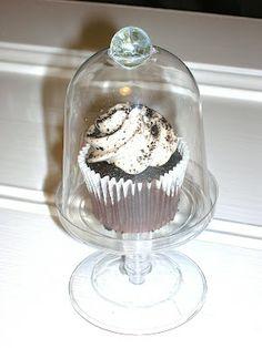 DIY Valentine Cupcake cloches (dollar store stuff!) .... http://lemontwiggsanewjourney.blogspot.com/2012/02/diy-valentine-cupcake-cloches.html