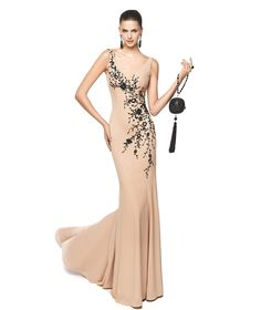 Moda Fiesta: El rosa y el nude son tendencias #vestidosdefiesta #looksdebodaparainvitadas #rosa #trajesdenoche