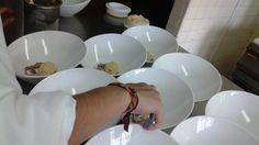 Servicio de postre en cocina de Eduardo Moreno