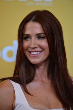 I love this shade of red! Poppy Montgomery