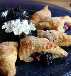 Blackberry Goat Cheese Hand Pies  #Cheese #Pies