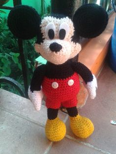 Mickey Mouse En Amigurumi : Veritooo on Pinterest Crochet Boys, Crochet Baby Boys ...