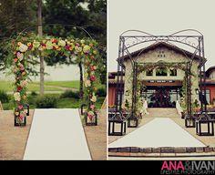 Chuppa Decor, Arch Decor, Ceremony Decor. Trailing greens, antiqur green hydrangea, orange roses, pink roses, Wedding flowers. http:thebloomingidea.blogspot.com