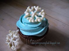 Cupcakes Topped with White Chocolate Snowflakes