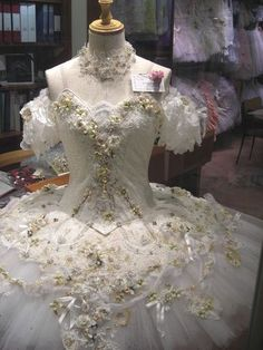 Lovely japanese costume for Aurora or Cinder.