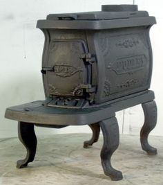 Just picked up one of these old stoves at a thrift store for a steal, but it needs a fresh coat of paint to look  this good. We'll install it in the Hideaway sometime before next fall. I'm eager to try slow-cooking a pot of stew on top!